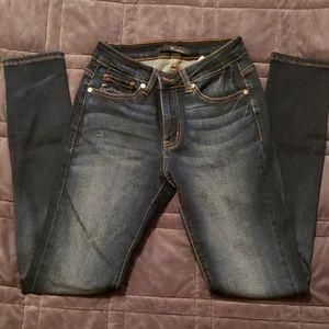 Junior/women KanCan dark wash, skinny jeans